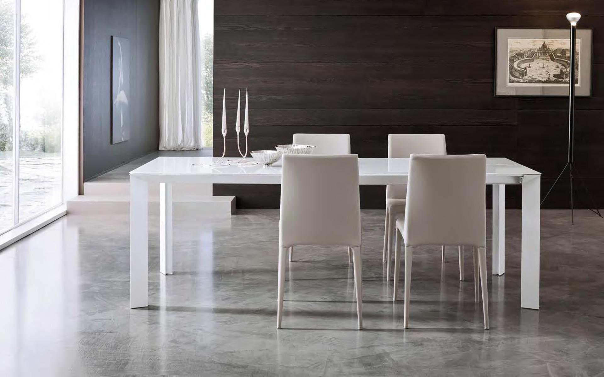 Tavoli e sedie horizon mobilgam for Riflessi tavoli e sedie